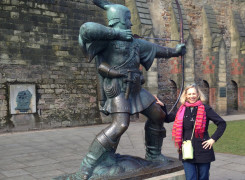 robin hood statue Nottingham UK
